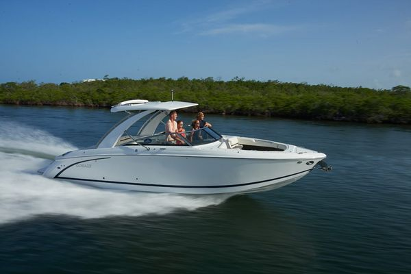 New Cobalt R30 Power Cruiser Boat For Sale