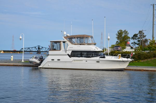 Used Carver 406 Motor Yacht For Sale