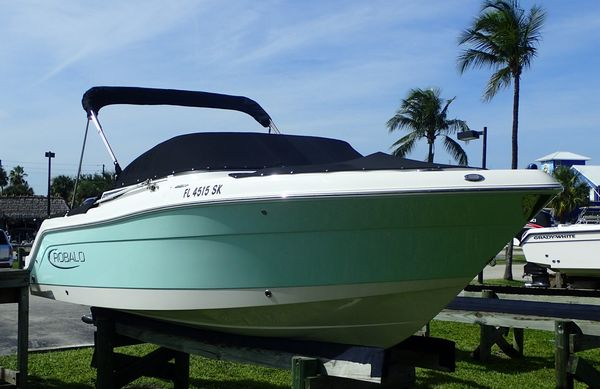 Used Robalo R227 Dual Console Dual Console Boat For Sale