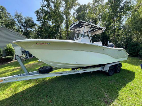 Used Sea Fox 256 Commander Center Console Fishing Boat For Sale