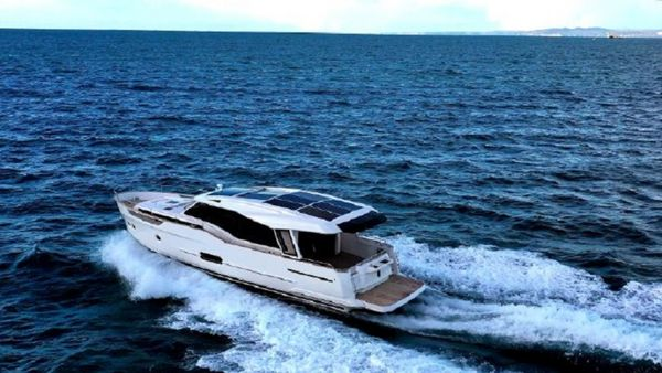 Used Greenline 48 Coupe Hybrid Trawler Boat For Sale