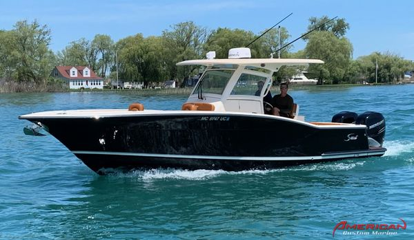 Used Scout Boats 320 LXF Center Console Boat For Sale