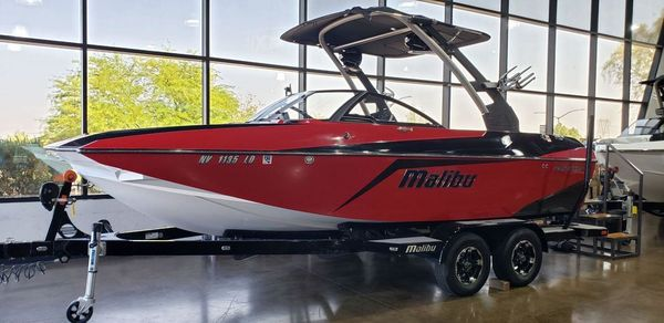 Used Malibu 21 MLX Bowrider Boat For Sale