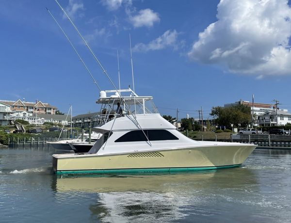 Used Viking Convertible with Mezzanine Seating Convertible Fishing Boat For Sale