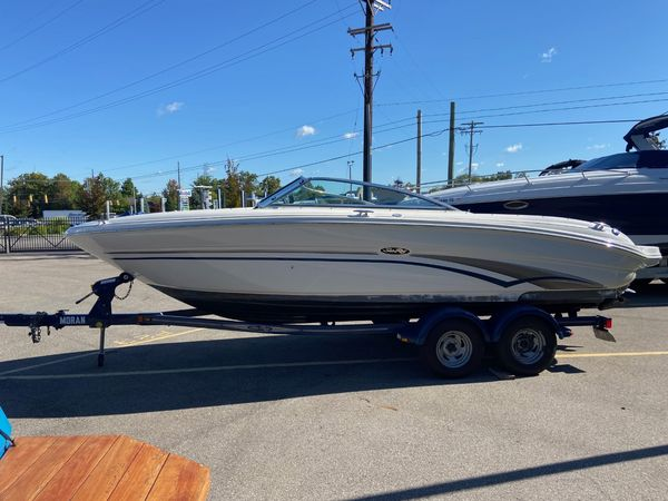 Used Sea Ray Select 220 Runabout Boat For Sale