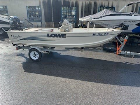 Used Lowe ANGLER 140S Ski and Fish Boat For Sale