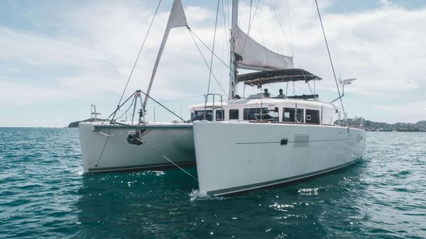 Used Lagoon 450F Catamaran Boat For Sale