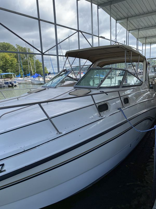 Used Chaparral Signature 300 Cruiser Boat For Sale