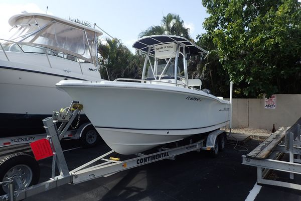Used Sea Hunt Triton 220 Saltwater Fishing Boat For Sale