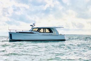 Used Greenline 33 Trawler Boat For Sale