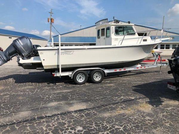 Used Parker 2320 SL Sport Cabin Saltwater Fishing Boat For Sale