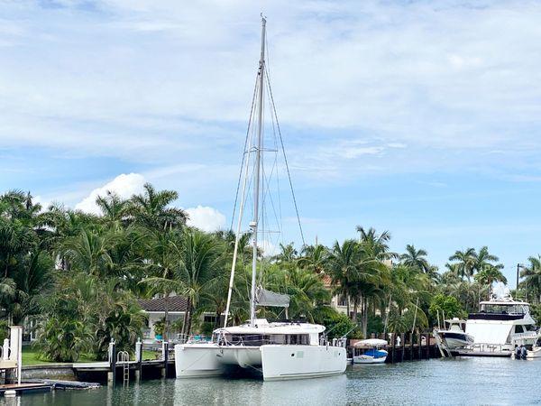 Used Lagoon 450 F Catamaran Sailboat For Sale