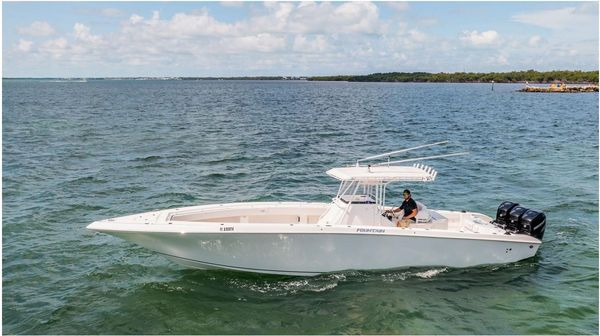 Used Fountain CC Center Console Fishing Boat For Sale