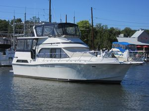Used Chris Craft 426 Catalina Motor Yacht For Sale