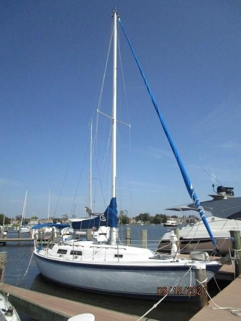 """New Cal """"31"""" Sloop Sailboat For Sale"""