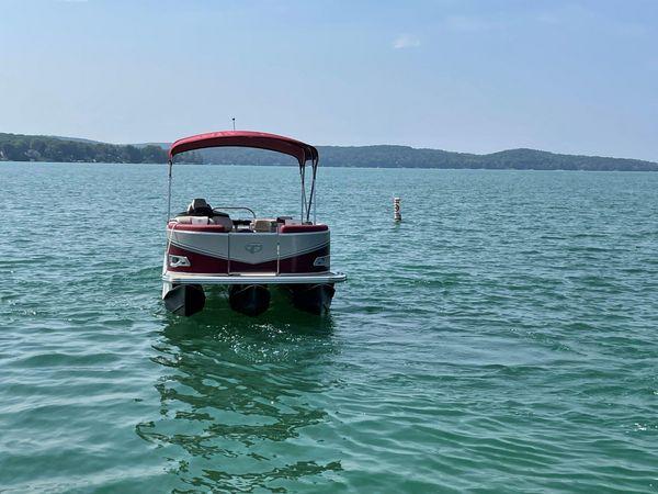 Used Tahoe 2285 LTZ Quad Lounger w/Suzuki 140hp Motor Pontoon Boat For Sale