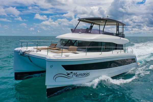 Used Fountaine Pajot MY 44 Cruiser Boat For Sale