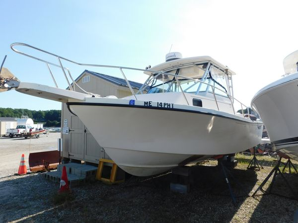 Used Parker 2510 Center Console Fishing Boat For Sale