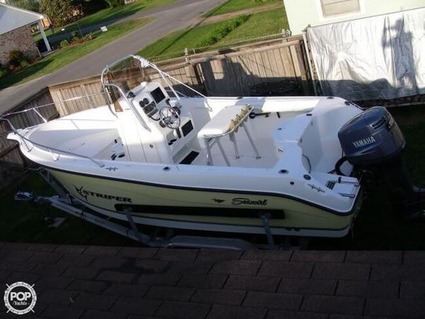 Used Seaswirl 2101 CC Striper Center Console Fishing Boat For Sale