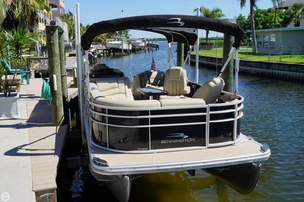 Used Bennington 2575 RCW Pontoon Boat For Sale