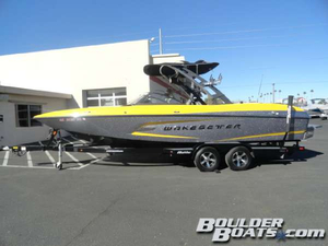 Used Malibu Wakesetter 24 MXZ Ski and Wakeboard Boat For Sale