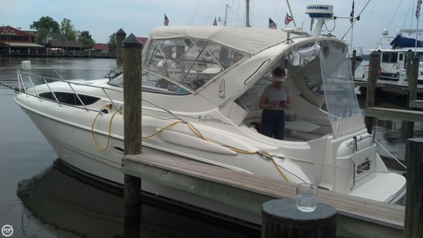 Used Bayliner Ciera 3055 Express Cruiser Boat For Sale