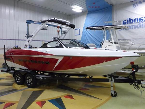 New Malibu Boats 22 VLX Ski and Wakeboard Boat For Sale
