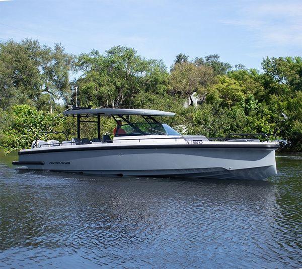 Used Axopar 37 Sun Top Revolution Sports Cruiser Boat For Sale