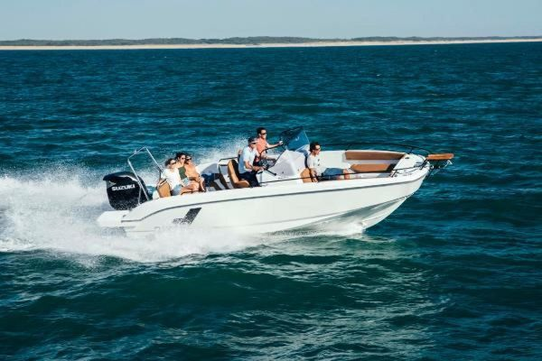 New Beneteau America FLYER 8 SpaceDeck Cruiser Boat For Sale