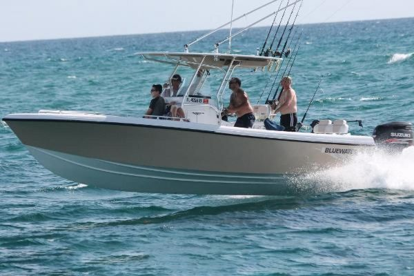New Bluewater Sportfishing 2550 Center Console Fishing Boat For Sale