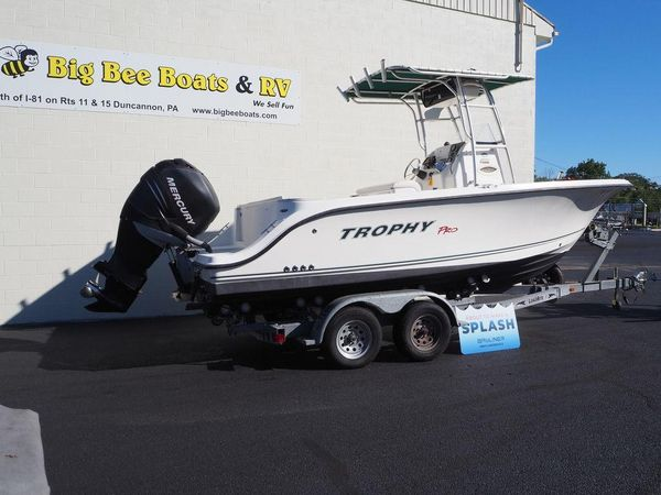 Used Trophy 2103 Center Console Center Console Fishing Boat For Sale
