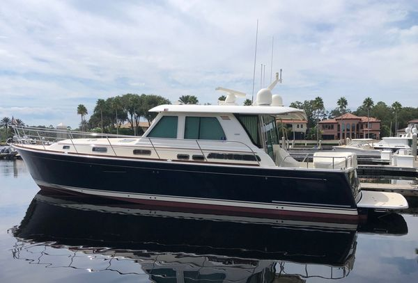 Used Sabre Salon Express Cruiser Boat For Sale