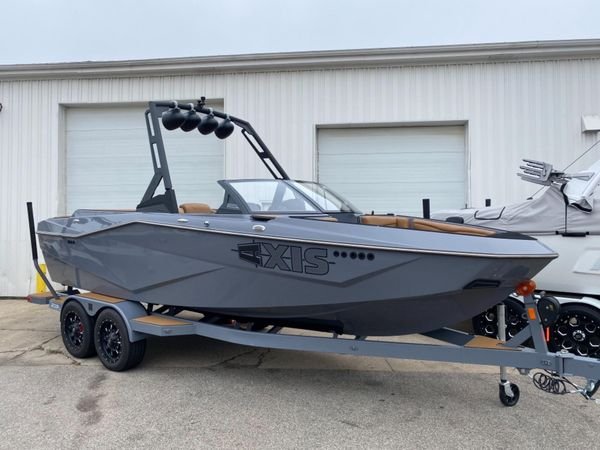 New Axis T220 Ski and Wakeboard Boat For Sale