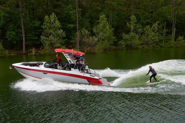 New Cobalt R6 Surf Bowrider Boat For Sale