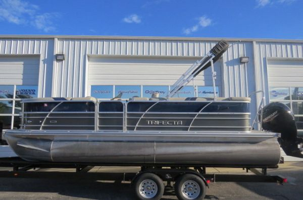 Used Trifecta 22C LE 2.75 Pontoon Boat For Sale