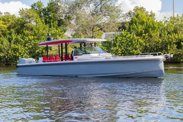 Used Axopar 37 Sun Top Sports Cruiser Boat For Sale