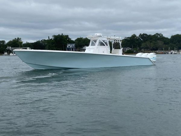 New Seahunter 40 Center Console Fishing Boat For Sale