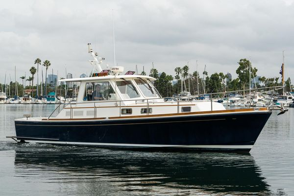 Used Grand Banks 38 Eastbay HX Power Cruiser Boat For Sale