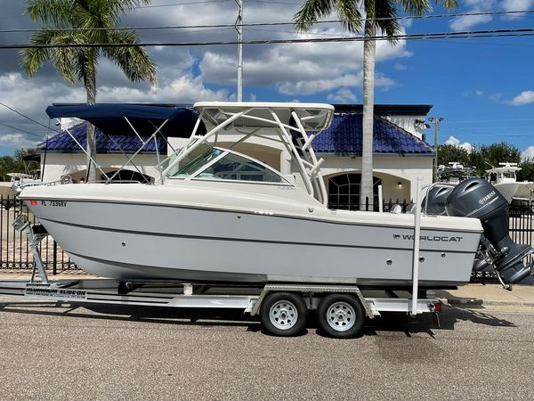 Used World Cat 230 DC Dual Console Boat For Sale
