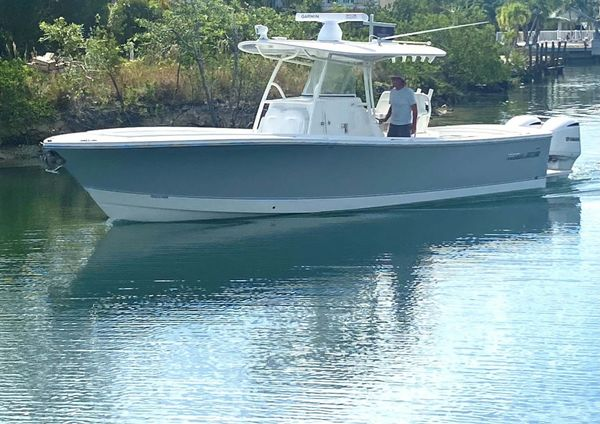 Used Regulator 31CC Center Console Fishing Boat For Sale