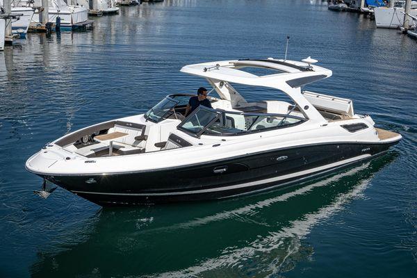 Used Sea Ray 350 SLX Bowrider Boat For Sale