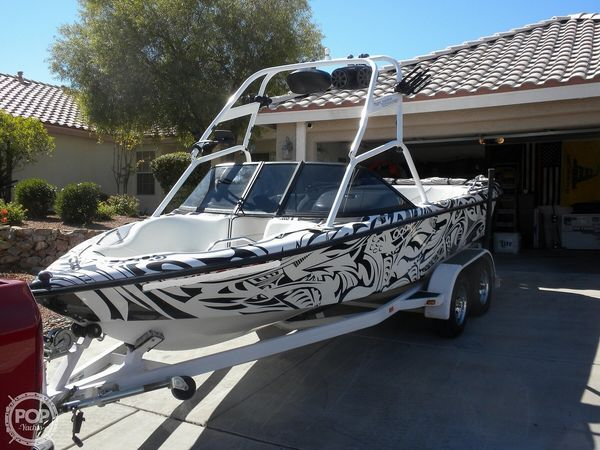 Used Correct Craft Super Air Nautique 21 Ski and Wakeboard Boat For Sale