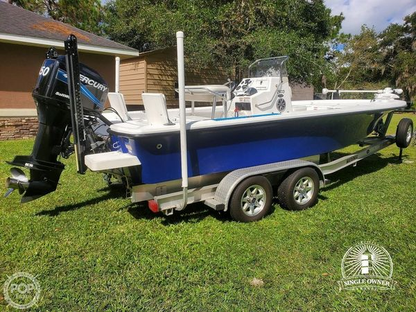 Used Kenner 2103 Tunnel Bay Boat For Sale
