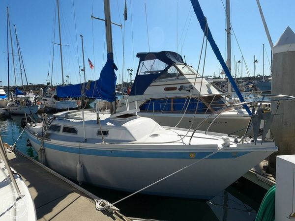 Used Ericson Yachts 25 Racer and Cruiser Sailboat For Sale