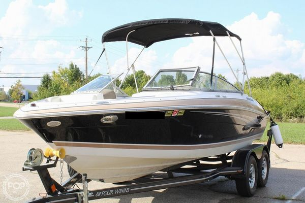 Used Four Winns H200 Ski and Wakeboard Boat For Sale