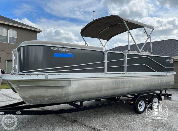 Used Suncatcher V22 RF Pontoon Boat For Sale