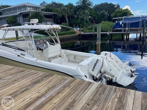 Used Hydra-Sports 3300 VX Walkaround Fishing Boat For Sale