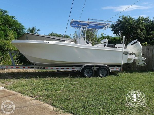Used Dusky Marine 252T Center Console Fishing Boat For Sale