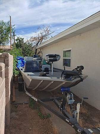 Used Crestliner 1600 Storm Aluminum Fishing Boat For Sale
