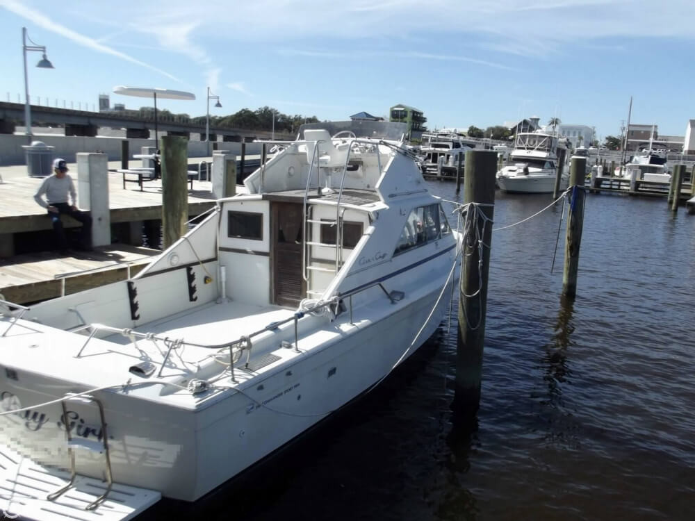 1969 used chris craft 310 commander sport fish sports for Sport fishing boats for sale by owner